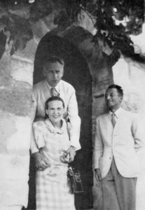 Seghers_Aragon_&_Triolet_1942
