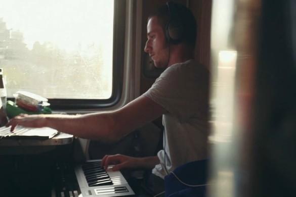 Voyager en écouteurs : (Re)partir à bord du Transsibérien