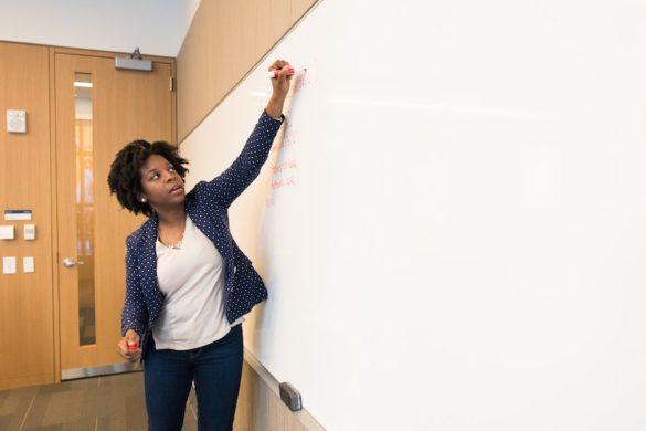 8 choses à savoir avant de se mettre en couple avec un·e prof